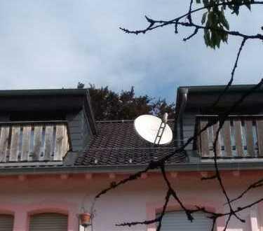 Gepflegte Altbau 3-Zimmer-Dachgeschosswohnung mit zwei Balkonen in zentraler Bestlage von Königstein