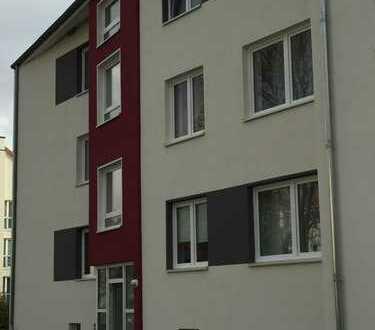 schöne und sanierte 3 Zimmer Wohnung gleich am Vahrenheider Markt