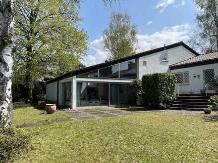 Offenburg, Ost - Charmante Villa mit eigenem Park!