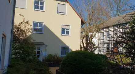 Gepflegte Wohnung mit vier Zimmern sowie Balkon und EBK in Uni-Nähe