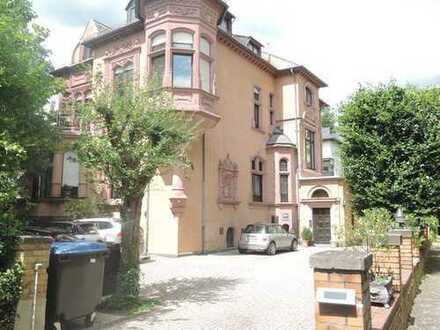 2.100 €, 160 m², 5 Zimmer
