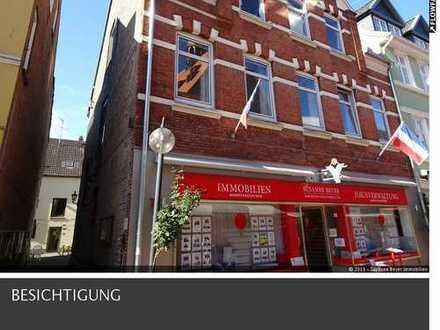 Eckernförde - St.-Nicolai-Str. 7: Große 5 Zimmer Mietwohnung in der Innenstadt im 2.0G - Sofort frei
