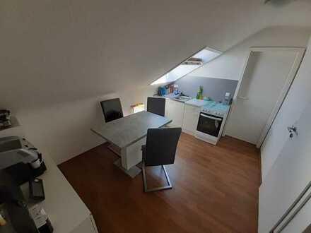Attraktive, gepflegte 1,5-Zimmer-Dachgeschosswohnung zur Miete in Kaiserslautern
