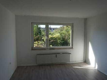 Attraktive, renovierte 2 Zimmer Erdgeschosswohnung in Duisburg-Meiderich