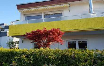Neu renoviert, traumhafter Blick, zentral gelegen, Weinstadt, 155qm, 7 Zimmer