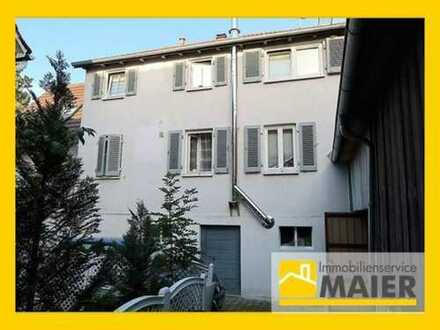 Hübsch renovierte Doppelhaushälfte mit Apartment, Scheune & 2 Außenstellplätze in ruhiger Lage!