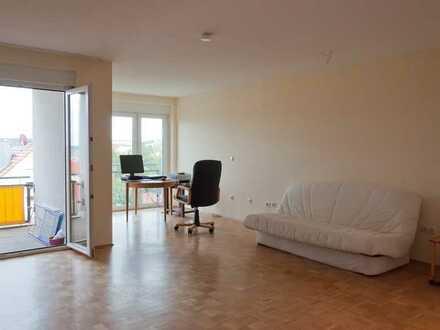 Großzügige 1-Zimmer-Wohnung mit Einbauküche in Gerbrunn neben Uni