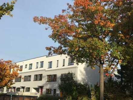 Zeitmietvertrag: Townhouse in Schöneberg mit Garten