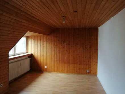 Erstbezug nach Sanierung: schöne 1-Zimmer-Dachgeschosswohnung in Nippes, Köln