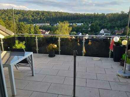 Schöne 3-Zimmerwohnung mit Balkon und tollem Ausblick in Kämpfelbach-Ersingen