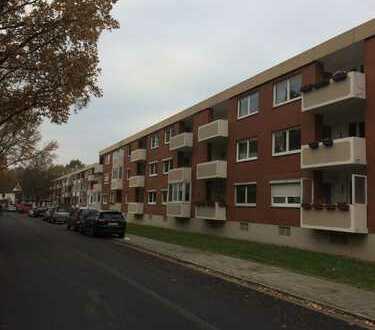 Gepflegte 3-Zimmer-Dachgeschosswohnung mit Balkon und EBK in Bremen - Findorff