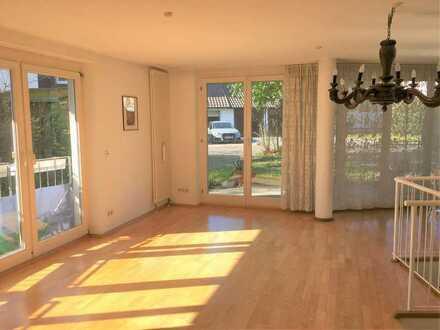 *** Maisonettewohnung mit Sonnenterrasse, STP, Garten in einem Architektenhaus im Märchenviertel ***