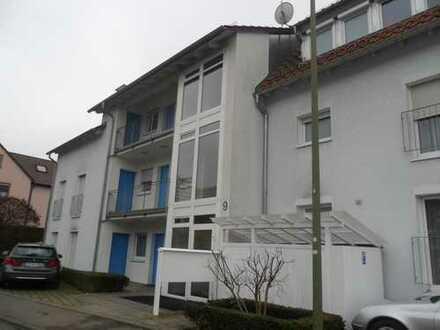 Moderne 2 -3-Zimmer-Dachstudiowohnung mit Balkon