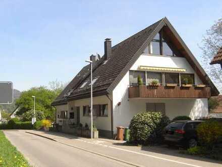 Exklusive, geräumige 3-Zimmer-Maisonette-Wohnung mit Balkon und Loggia