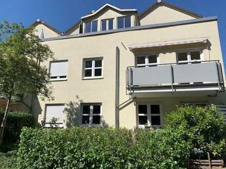 Attraktive 2-Zimmer-Wohnung im 1. OG mit großem Balkon in Südlage