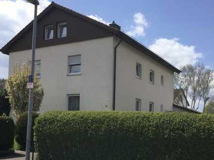 Sanierte Wohnung mit vier Zimmern und Balkon in Donzdorf