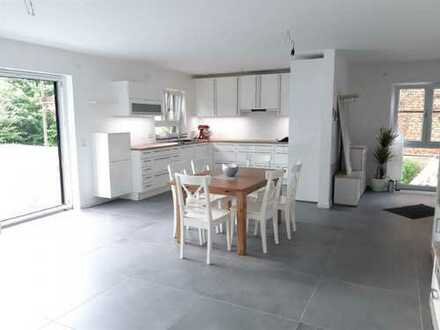 ARNOLD-IMMOBILIEN: NB - Moderne Familienwohnung in Top-Lage