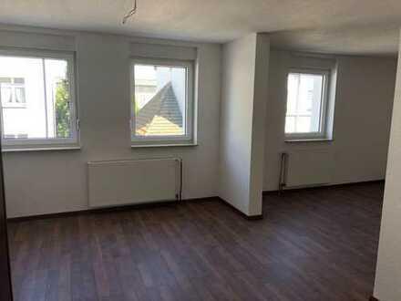Nur mit WBS - renovierte Wohnung im 1.OG sucht einen netten Mieter!