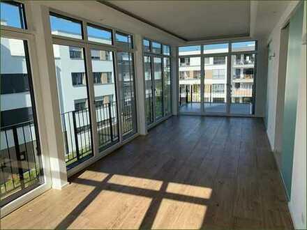 Neuwertige 4-Zimmer-Wohnung mit Balkon und Einbauküche in Tübingen