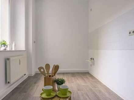 Attraktive 5-Raum-Wohnung mit Balkon, Abstellraum und Wanne