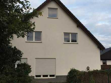 Schönes Haus mit fünf Zimmern in Berlin, Staaken (Spandau)