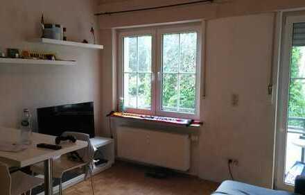 Gepflegte 2-Zimmer-Maisonette-Wohnung mit Balkon und Einbauküche in Plettenberg