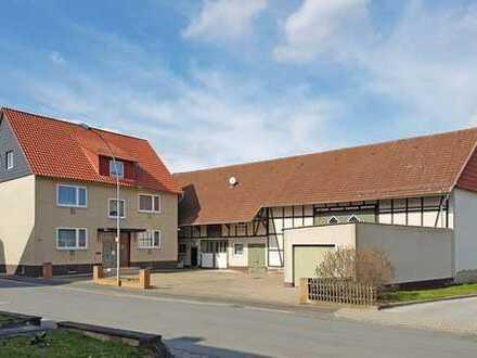 Großzügiger Resthof mit Scheune und Garagen in Lenglern