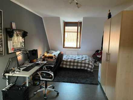 Attraktive 4-Raum-Maisonette-Wohnung mit EBK und Balkon in Offenburg
