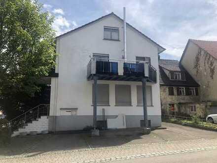 Gepflegtes Wohnhaus mit Gewerbe, Bj. 1965 mit ca. 207 m² Wohn-/Gewerbefläche und 423 m² Grundstück
