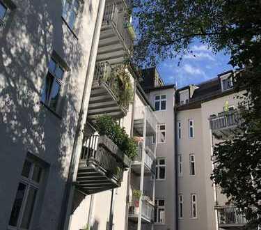 Beste Lage, Altbau, ruhig, sonnige Terrasse, wunderschön...