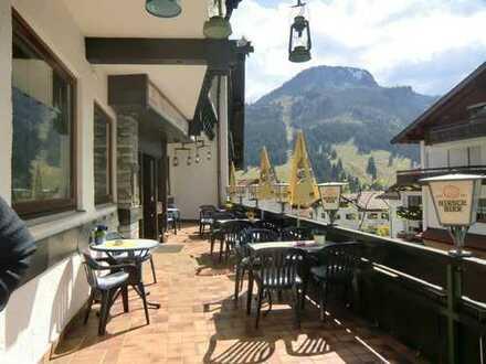 Sehr beliebtes und gut etabliertes Restaurant mit Sonnenterrasse sucht neuen Besitzer!