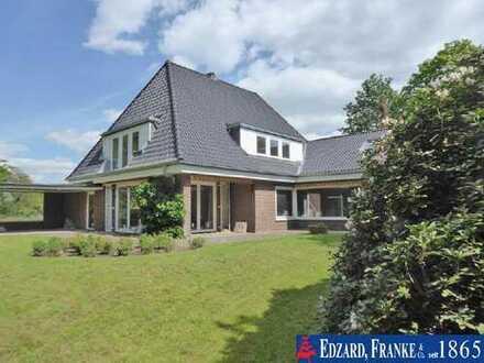 Stilvolles Einfamilienhaus auf prächtigem Grundstück