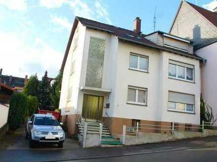 +++Attraktives 3-Familienhaus mit Balkonen, Garten und Garagen in ruhiger Seitenstraße,nahe Stadt...