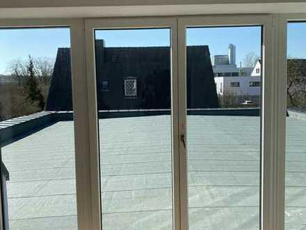 Dach Maisonette inkl. Stellplatz und Einbauküche mit Terrasse. WHG 7