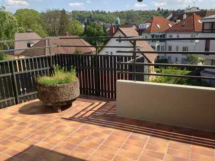Stuttgart-Feuerbach (Wiener Strasse): Traumhafte 5-Zimmer-DG-Wohnung auf zwei Etagen