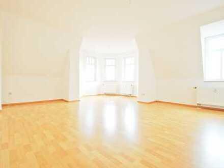 Attraktive 3-R-W * Turmzimmer * schöner sanierter Altbau * hell * Großer Garten * nachgefragte Lage