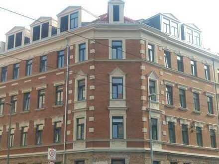 Neu sanierte 3-R-Wohnung im Erstbezug mit Fußbodenheizung W2