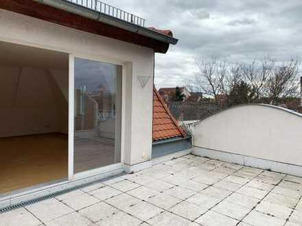 Exklusive 3-Zimmerwohnung in Stadtvilla mit Dachterrasse