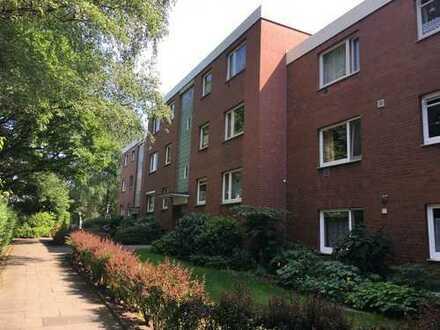 Gepflegte 3-Zimmer-Wohnung mit Balkon und Einbauküche in Niendorf, Hamburg