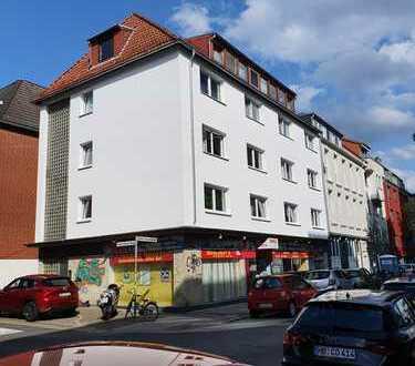 Hallo Neustadt Fans: gut aufgeteilte 4 Zi.Whg. + Wohnbereich + Balkon, Ideal auch für WGs....