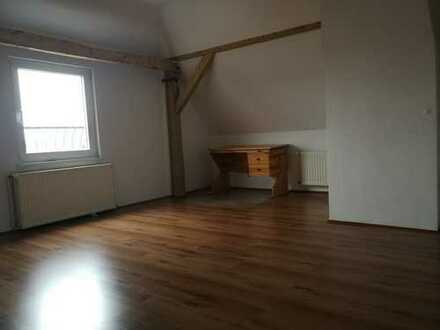 Schöne 4-Zimmer-Wohnung mit Küche in Greifswald
