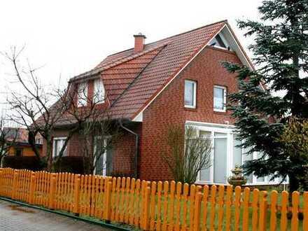 Provisionsfrei für den Käufer! Schmuckes Einfamilienhaus mit Wintergarten in Colnrade