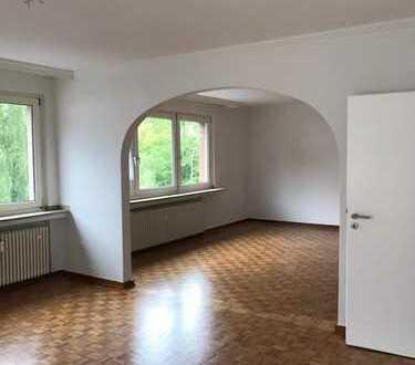 Renovierte 98 qm Wohnung mit Balkon in zentraler Lage von Do-Hombruch