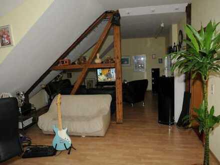 Ansprechende, sanierte 3,5-Zimmer-Dachgeschosswohnung zur Miete in Dortmund