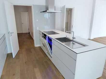 Luxuriöse 2 Zimmer-Wohnung ruhig mit großem Balkon im Grunewald