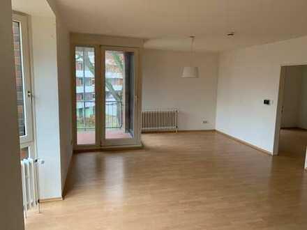 ***Gepflegte 3-Zimmer-Wohnung mit Balkon und Einbauküche in Bremen