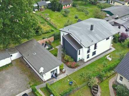 Waldrandlage: Haus und Bungalow mit 3 WE