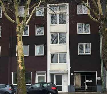 Wohn- und Geschäftshaus mit 8 - Parteien + 3 Garagen in Essen - Kray - Nord