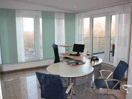 Schönes Büro/Praxis 120qm sofort od.erweiterbar um 260 qm (zentral, Ärztehaus,Apotheke) zu mieten