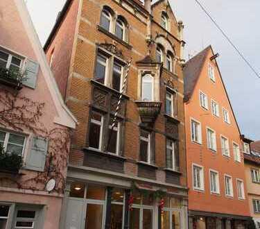 Rarität: Altbau-Stadtwohnung mit 5 Zimmern in Bestlage